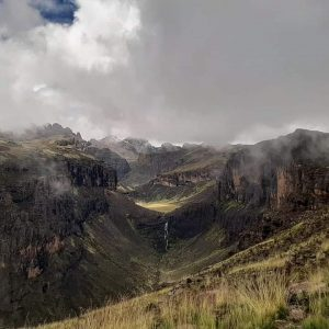 mount kenya gorges valley on Chogoria route